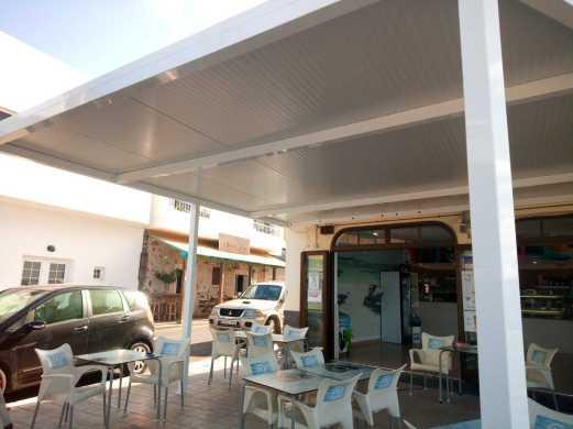pergola aluminio con techo de paneles,pergolas a medida,fuerteventura,lanzarote,pergolas,toldos,carpinteria,raúl bettini,persymar
